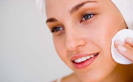 1373793660_exfoliate-to-get-rid-of-acne